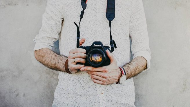 fotograf necunoscut la nunta ta